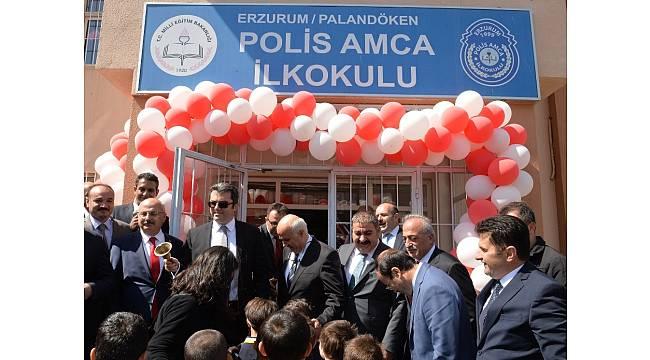 Erzurum'da ders zilini Vali Memiş çaldı, 150 bin öğrenci ders başı yaptı