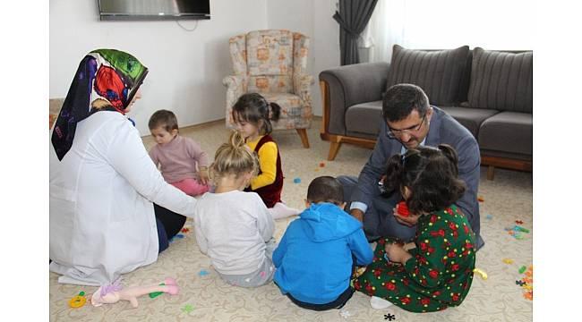 Sevgi evlerinde 'Başarı Şehri' kurdu