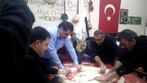 Erzurum'da kış gecelerinin vazgeçilmezi: Tel helvası