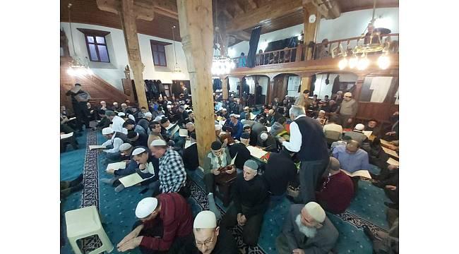 Erzurum'un 500 yıllık geleneği için camiler adeta dolup taştı