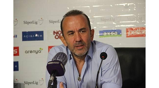 """Mehmet Özdilek: """"Bu maçtan çıkaracağımız dersler var"""""""